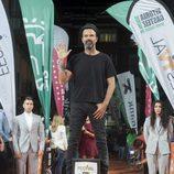 Pau Donés subido en la plataforma del FesTVal en el estreno de 'Estoy vivo'