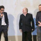 Daniel Écija, creador de 'Estoy vivo', habla en el escenario del FesTVal junto a Pau Donés