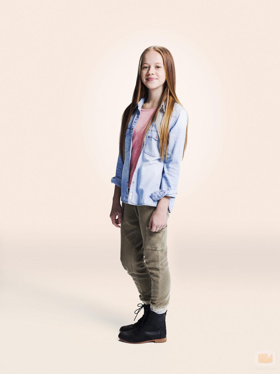 Holly J. Barrett de perfil en la foto promocional de 'La vida en piezas'
