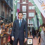 Pose de Adrián Lastra, de 'Velvet colección', en el FesTVal de Vitoria