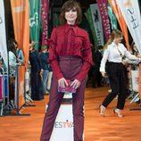 Nathalie Poza posa con su bolso en la alfombra naranja del FesTVal en la presentación de 'Traición'