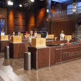 Los concursantes de 'MasterChef Celebrity 2' preparados en la cocina