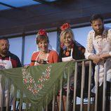 Pepón Nieto, Anabel Alonso, Bibiana Fernández y Edu Soto viendo a sus compañeros de 'MasterChef Celebrity 2' cocinar