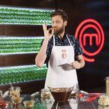 Edu Soto posa en las cocinas de 'MasterChef Celebrity 2'