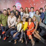 Los concursantes, el jurado y la presentadora de 'MasterChef Celebrity 2'