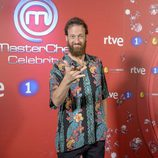 Edu Soto posa en el photocall de 'MasterChef Celebrity 2'