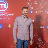 Saúl Craviotto posa en el photocall de 'MasterChef Celebrity 2'