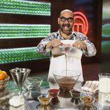 José Corbacho cocinando en 'MasterChef Celebrity 2'