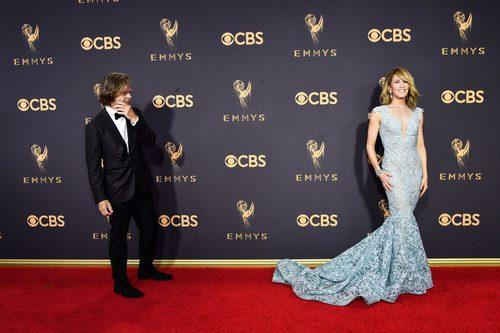 William H. Macy y Felicity Huffman en la alfombra roja de los Premios Emmy 2017