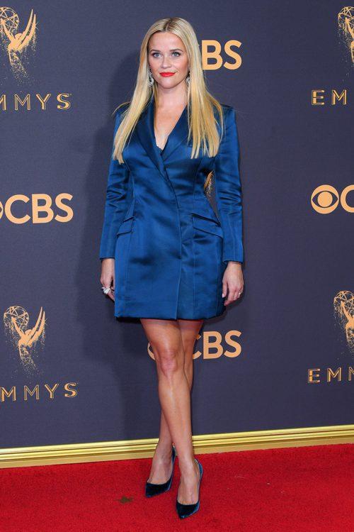 Reese Witherspoon en la alfombra roja de los Premios Emmy 2017
