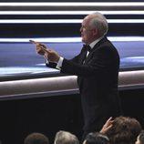 John Lithgow recoge su premio en los Emmy 2017