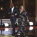 Dave Chappelle y Melissa McCarthy en los Emmy 2017