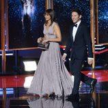 Rashida Jones y Mark Feuerstein en los Emmy 2017