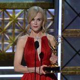 Nicole Kidman recoge su premio en los Emmy 2017