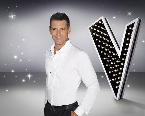Pose de Jesús Vázquez, presentador de 'La Voz 5'
