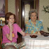 Mariví Bilbao, Gemma Cuervo y Emma Penella, de 'Aquí no hay quien viva', sentadas juntas