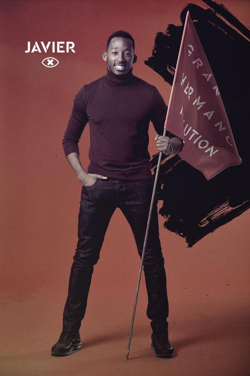 Javier Eneme posa con la bandera de 'GH Revolution'