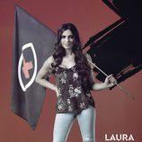 Laura Velasco posa con la bandera de 'GH Revolution'