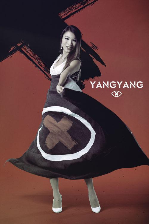 Yangyang Huang posa con la bandera de 'GH Revolution'