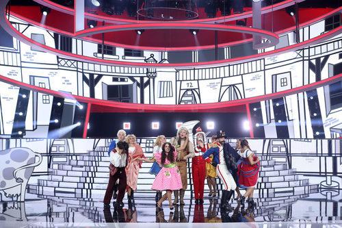 Raúl Pérez actuando junto a los bailarines en 'Tu cara me suena 6'