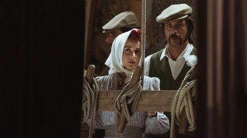 Lola Mendieta y Pacino observan entre bastidores en el capítulo 32 de 'El Ministerio del Tiempo'