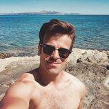 Ricky Merino, concursante de 'OT 2017', se saca un selfie desnudo con gafas de sol
