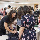 El jurado comprueba las creaciones de los aspirantes a 'Maestros de la costura'