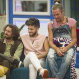 Rubén, Christian y Maico esperan en el sofá en la gala 6 de 'GH Revolution'