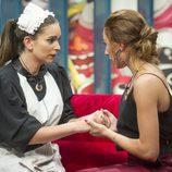 Laura y Miriam en la sala de los encuentros de 'GH Revolution'
