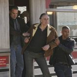 Hotchner y Morgan detienen a un sospechoso en 'Mentes criminales'
