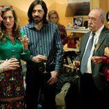 Toni Alcántara y Juana celebran una fiesta en su casa en 'Cuéntame cómo pasó'