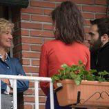 Ana Duato, Elena Rivera y Ricardo Gómez en el rodaje de la nueva temporada de 'Cuéntame cómo pasó'.