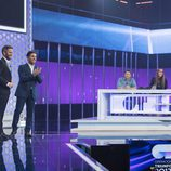 Roberto Leal recibe a David Bustamante como cuarto miembro del jurado en la gala 1 de 'OT 2017'