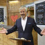 Carlos Sobera en el nuevo restaurante de 'First Dates'