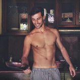 Jaime Astrain, nuevo colaborador de 'El chiringuito de Jugones', cocina semidesnudo