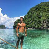 Jaime Astrain, de 'El chiringuito de Jugones', semidesnudo en la playa