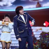 Raúl Pérez es Georgie Dann en la gala 7 de 'Tu cara me suena'