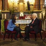 Ana Pastor conversa con el Padre Ángel en el  programa '¿Dónde estabas entonces?'