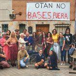 Ana Pastor posa junto a los  actores que protagonizan el anuncio de '¿Dónde estabas entonces?'