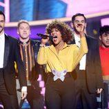 Lucía Gil se convierte en Whitney Houston en la Gala 8 de 'Tu cara me suena'