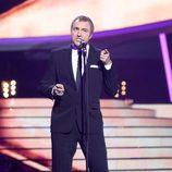 Raúl Pérez es Phil Collins en la Gala 8 de 'Tu cara me suena'