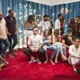 Los concursantes junto a Kiko Rivera y Carlos Lozano en la 7ª gala de 'GH Revolution'