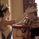 Isabel nombra Príncipe de Inglaterra a su marido Felipe, en la segunda temporada de 'The Crown'