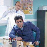Amador en el médico en el noveno episodio de la décima temporada de 'La que se avecina'