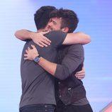 Cepeda y Ricky se abrazan en la gala 5 de 'OT 2017'