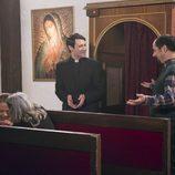 Antonio Recio y el padre Alejandro en el décimo capítulo de la décima temporada de 'La que se avecina'