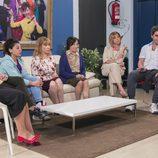 Yoli, Menchu, Nines, Berta, Fina, Maite, Teodoro y Enrique en la junta de vecinos del décimo capítulo de la décima temporada de 'La que se avecina'