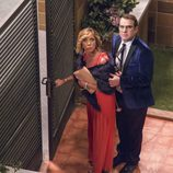 Maite y Bruno saliendo de Montepinar en el undécimo episodio de la décima temporada de 'La que se avecina'