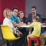 Amador y Maite con sus hijos en el último capítulo de la décima temporada de 'La que se avecina'