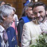 Fermín y Vicente se miran en su boda en el último capítulo de la décima temporada de 'La que se avecina'